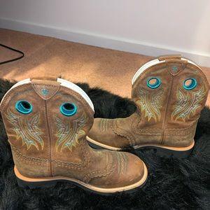 Used: Arita women boots size 8.5